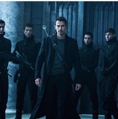 Theo James Underworld Blood Wars He looks so badass!