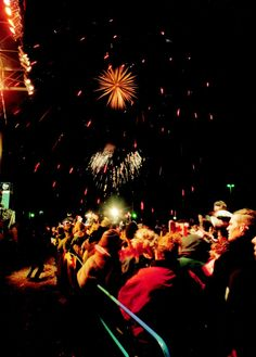 Fireworks at the New Year's Eve concert in Queen Victoria Park Niagara Falls 2004
