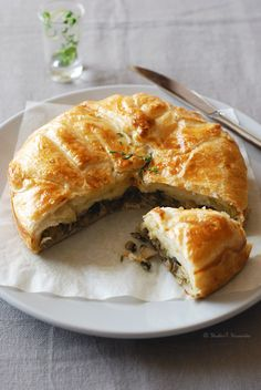 Mushroom pie. Serve with salad and some good white wine!