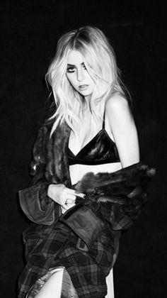 Taylor Momsen Bild