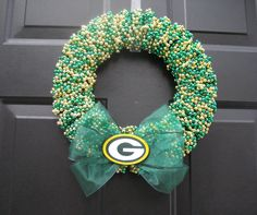 Green Bay Packers Beaded Wreath ...wonder if I could make this!?