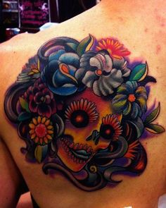 Traditional sugar skull tattoo - Look at all the vibrant colors of this tattoo. It's an eye candy. #TattooModels #tattoo