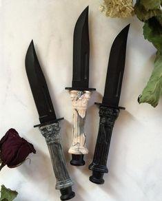 Temple of Caesar Clip Point Knives – Rozliubit Pretty Knives, Cool Knives, Swords And Daggers, Knives And Swords, Knife Aesthetic, Fantasy Dagger, Katana, Armas Ninja, Cool Swords