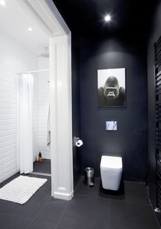 that gorilla is a little trippy :) Minimal Apartment Bathroom 620x881 Minimal Apartment in Poland