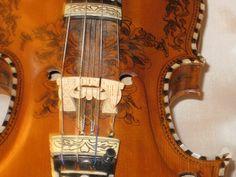 Lillebjorn Hardanger Fiddle by Vidvinkel Stev