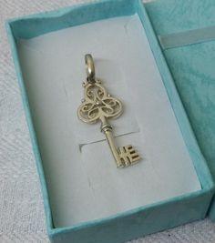 Halskettenanhänger+Charivari+Schlüssel+SK546+von+Atelier+Regina++auf+DaWanda.com