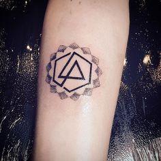 GREAT Linkin Park Hexagon Logo Tattoo! lp #tattoo #tattoos #tat #ink #inked #tattooed #tattoist  #art #design #instaart #instagood #photooftheday #tatted #instatattoo #bodyart #tatts #tats #amazingink #tattedup #inkedup#amiens #pencil #artsy #instaart #beautiful #instagood #linkinpark#instaartist #graphics #artoftheday