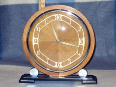 8-DAY-WIND-UP-ART-DECO-MANTLE-CLOCK-ON-CHROME-STEPPED-BASE-PERFECT-CONDITION-GWO