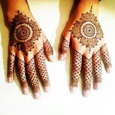 #bridalhenna #henna #hennatattoo #tattoo #mandalatattoo  By Henna V xx