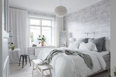 Gravity Home: Bedroom in a Serene Scandinavian Apartment Serene Bedroom, Beautiful Bedrooms, Home Bedroom, Bedroom Decor, Beautiful Interiors, Bedroom Storage Inspiration, Room Inspiration, Bright Apartment, Apartment Plants