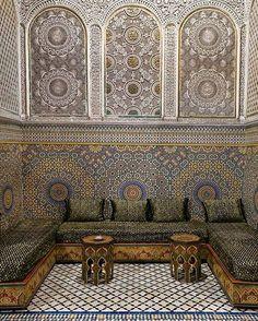 Design - Mosaicos e Memórias.  Mosaico árabe na região de Magreb. #arquitetura…