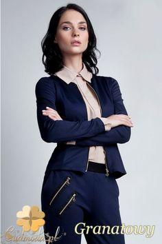 Zapinany damski żakiet bez kołnierza marki Lanti.  #cudmoda #ubrania #odzież #styl #moda #clothes