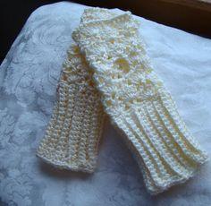Vanilla cream crocheted fingerless gloves by BearMtnCrochet