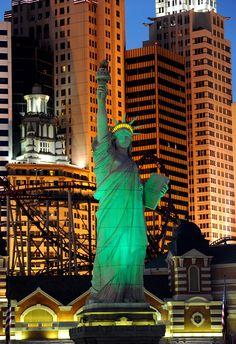 New York - New York Hotel & Casino Las #Vegas