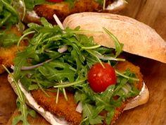 Mmmm sandwich... Gail Simmons makes a gourmet crispy chicken sandwich, baked Monte Cristo & more