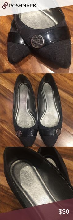Authentic COACH FLATS⭐️⭐️⭐️⭐️⭐️ Black monogrammed pattern. Used but in great condition. Diver hardware in excellent condition. Great classy flats Coach Shoes Flats & Loafers