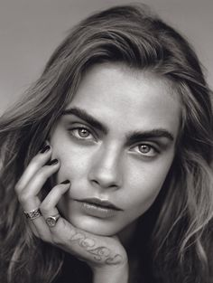 Vogue UK January 2014 issue : Editorial : The Face Model : Cara Delevingne Photography : Alasdair McLellan Styling : Kate Phelan Pretty People, Beautiful People, Beautiful Eyes, Foto Face, Portrait Photography, Fashion Photography, Beauty Photography, Camera Photography, White Photography