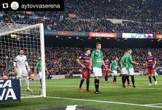 #Repost @aytovvaserena  El @cfvillanovense defiende un saque de esquina del @fcbarcelona con 1-0 enbel marcador