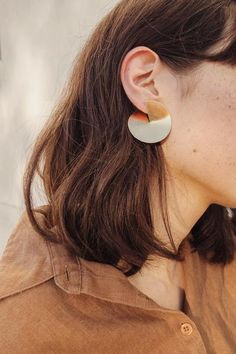 Mira Art Deco Studs in Gold – FINE LIFE CO