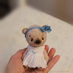 Nyasha By Elena Vinogradova - Bear Pile