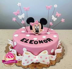 Minnie Cake  Bolo Minnie Bolo Minnie, Minnie Cake, Birthday Cake, Desserts, Food, Personalized Cakes, Tailgate Desserts, Deserts, Birthday Cakes