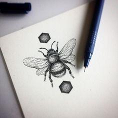 tattoos absolutes tattoos and piercings tattoist tattooart bee tattoos . Bumble Bee Tattoo, Honey Bee Tattoo, Body Art Tattoos, New Tattoos, Tatoos, Natur Tattoos, Stippling Art, Stippling Tattoo, Tattoo Designs
