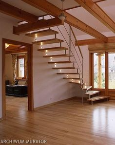 schody w salonie - Szukaj w Google Wood Staircase, Stairs, Dom, House, Home Decor, Google, Modern Stairs, Trendy Tree, Projects