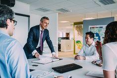 El liderazgo de equipos eficaz es un punto clave para conseguir que la empresa funcione lo mejor posible. ¡Descubre cómo conseguirlo!