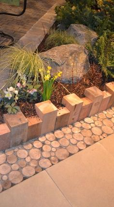 Simple 4 x 4's Edging & Sliced Branches As A Transition Border #garden #outdoors #xeriscape - Sincere Gardening