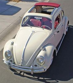 Amazing VW bug with red interior and ragtop Wolkswagen Van, Van Vw, Auto Volkswagen, Vw T1, Vw Coccinelle Cabriolet, My Dream Car, Dream Cars, Carros Vw, Kdf Wagen