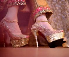 Hoor Irfan's fashion heels👠 & shoes👞 images from the web Wedding Shoes Heels, Prom Shoes, Women's Shoes, Shoe Image, Bridal Sandals, Fashion Heels, Hijab Fashion, Women's Fashion, High Heels
