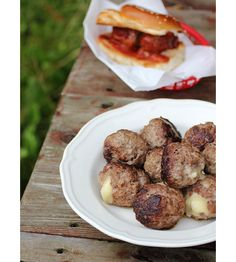 Party Food: Mozzarella Stuffed Meatballs