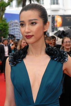 Li Bingbing looking stunning with the help of L'Oréal Paris make-up // L'Oréal Paris