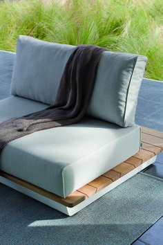 Manutti // Small outdoor sofa. Air is a modular outdoor sofa and table collection in wood or aluminium. The sofa's large, voluptuous cushions give a distinctive exotic elegance to every exterior - Air Collection #outdoorfurniture #outdoorluxury Outdoor Sofa Sets, Outdoor Furniture, Outdoor Decor, Sofa Design, Cushions, Elegant, Luxury, Bed, Table