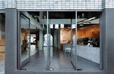 *블랙 드롭 커피샵 [ of Architecture ] Black Drop Coffee Shop_Kavala – Greece Cafe Restaurant, Restaurant Design, Visual Merchandising, Cafe Design, Interior Design, Store Design, Interior Inspiration, Design Inspiration, Urban Aesthetic
