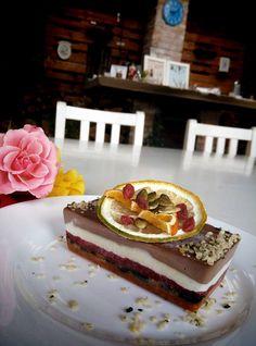 Raw inspiration. Bistro Ma Cocotte. Corina Bacalu. Brasov. #vegan #raw #healthy #rawfood #veganism #foodpic Inspiration, Cake, Desserts, Food, Biblical Inspiration, Tailgate Desserts, Deserts, Kuchen, Essen