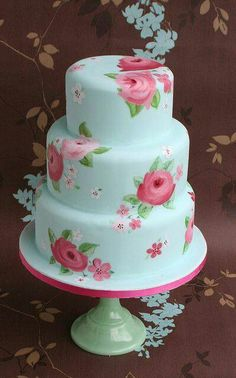 I really want to try painting on a cake. I love how it looks!