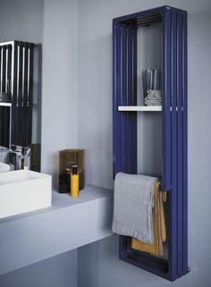 Montecarlo, radiateur sèche-serviettes design eau chaude, Tubes. Design by Peter Jamieson. Modèle présenté : VERTICALE MV140. HxLxP en mm : 1400x375x230, puissance 830W, finition bleu.