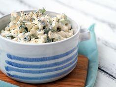 SALÁT Z MLADÉHO KVĚTÁKU Potato Salad, Potatoes, Smooth, Cooking, Ethnic Recipes, Blog, Kitchen, Potato, Blogging