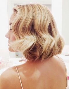 8 5-Minute Hairstyles for Short Hair via @byrdiebeauty