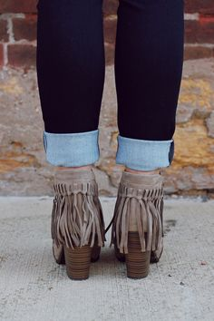 Love my boots like these!!! ALH
