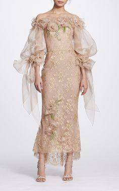 Marchesa Couture Gold Metallic Lace Off Shoulder Mid_Tea Dress Elegant Dresses, Pretty Dresses, Beautiful Dresses, Fashion Mode, Couture Fashion, Evening Dresses, Prom Dresses, Bridesmaid Gowns, Wedding Dresses