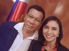 VP Leni Robredo poses for a selfie with President Rody Duterte at the Malacañang Palace. President Of The Philippines, War On Drugs, Political Science, Foreign Policy, Presidential Election, Palace, Presidents, Poses, Selfie