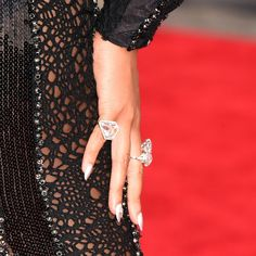 In look for some nail designs and ideas for the nails? Listed here is our list of 37 must-try coffin acrylic nails for stylish women. Silver Nail Polish, Silver Nails, Nails Inc, Beyonce, Mtv, Nails After Acrylics, Nailart, Wedding Acrylic Nails, Red Carpet Manicure