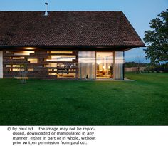 Haus P / Gangoly & Kristiner Architekten ZT GmbH - Paul Ott Pfotografiert Chalet Design, House Design, Style At Home, House Extensions, Beautiful Hotels, Design Case, Modern Spaces, Tropical Houses, Cottage Homes