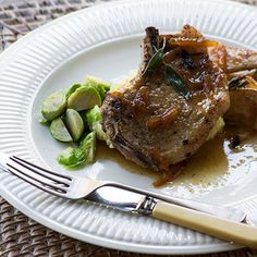 Sticky pork chops with pears adn marmalae Sticky Pork, Marmalade Recipe, Roasted Onions, South African Recipes, Steamed Broccoli, Healthy Family Meals, Food Words, Recipe Boards, Oven Roast