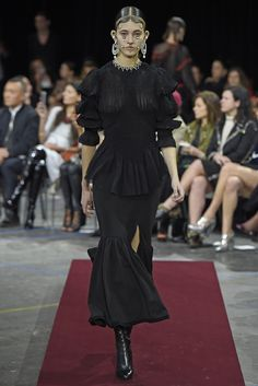 LOOK   2015-16 FW PARIS COLLECTION   GIVENCHY BY RICCARDO TISCI   COLLECTION   WWD JAPAN.COM