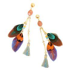 Boucles d'oreilles ornées de plumes colorées #GASBIJOUX -  240 $. Offertes chez Bleu comme le ciel. | Earrings with colourful feathers. #GASBIJOUX - $240 Available at Bleu comme le ciel