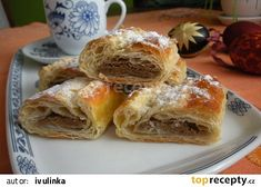 Závin s ořechovou nádivkou recept - TopRecepty.cz Apple Pie, French Toast, Cooking Recipes, Yummy Food, Bread, Breakfast, Cooking, Morning Coffee, Delicious Food