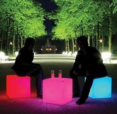 Cubed-shaped furniture, such as ottomans, has become very practical and popular lately.It doesn't take up much space,it looks modern, and it convenientlydoubles as an accent table or extra seating.But docubes know how to party? This funkyColor Changing LED Cube Stool does.